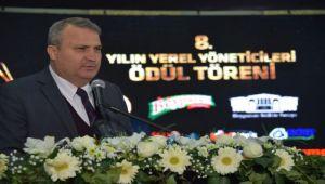 Başkan Çerçi ödülünü aldı