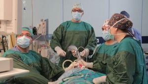 Ege cerrahlarından büyük başarı