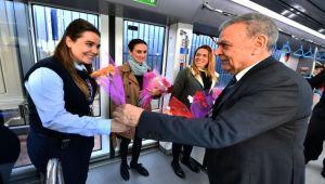 İzmirli kadınlara Başkan sürprizi