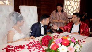 Mustafa Kayalar ilk nikahını kıydı