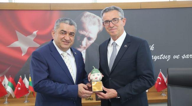 CHP İzmir milletvekillerinin kutlama ziyaretleri sürüyor
