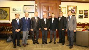 İZBAŞ Yönetim Kurulu, Soyer'i ziyaret etti