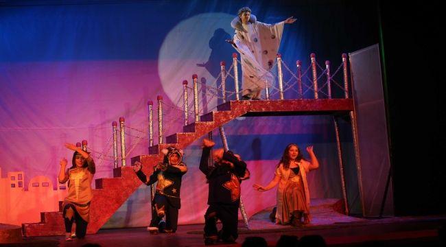 Tiyatronun yıldızları Karşıyaka'da yetişecek