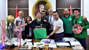 Türkiye Şampiyonları İduğ'u ziyaret etti