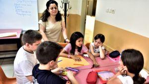 Bornovalı çocuklara tatilde eğlenceli kurslar