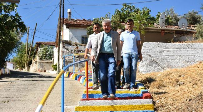 Narlıdere'nin merdivenleri renkleniyor