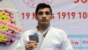 Judo Şampiyonası'nda gümüş madalya