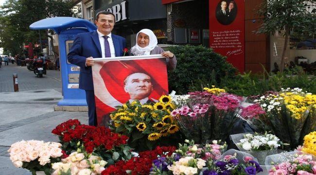 Başkan Batur'dan esnafa Cumhuriyet Bayramı hediyesi