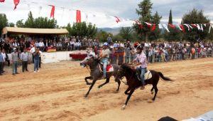 Rahvan At Yarışları rüzgar gibi geçti