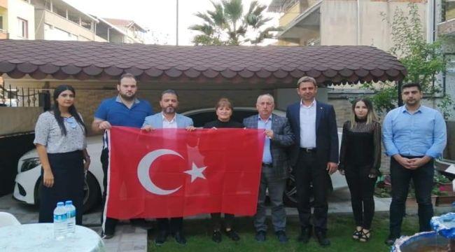 İzmir AK Kadro saha çalışmalarını sürdürüyor