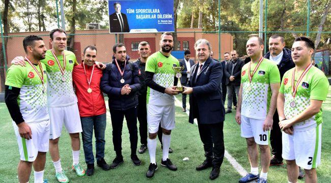 Bornova Belediyesi'nden birimler arası futbol turnuvası