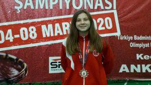Badminton'da Türkiye'yi Bergama temsil edecek