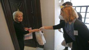 Karşıyaka'da korona gönüllüleri iş başında