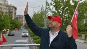 Başkan Gümrükçü'den otobüsle bayram kutlaması