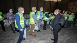 CHP'li meclis üyeleri gıda paketi hazırladı