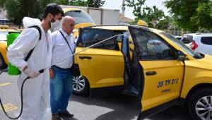 Torbalı'da taksi ve minibüsler dezenfekte edildi