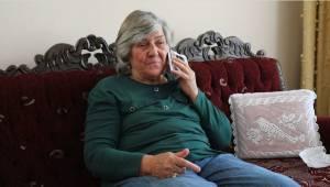 65 yaş üstü vatandaşları arayıp, hâl hatır soruyorlar