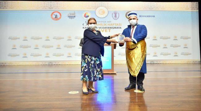 Ahilik Hizmet Ödülü Osman Arslan'a Verildi