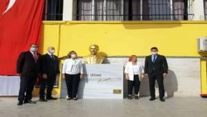 20 Yıllık Okula Atatürk Büstü