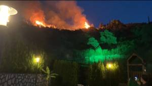 Aydın Büyükşehir Belediyesi İtfaiyesi Söke'de Çıkan Yangına Müdahale Etti