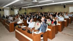 Karabağlar Belediyesi'nin 2021 bütçesi kabul edildi