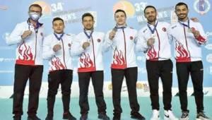 Rektör Budak, Egeli milli sporcular Ferhat Arıcan ve İbrahim Çolak'ı tebrik etti