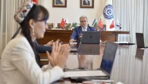 Ege Üniversitesi uluslararası iş birliklerine yenilerini eklemeye devam ediyor