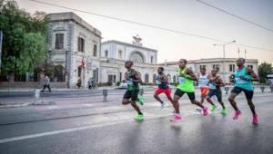 """""""Maratonizmir"""" heyecanı büyüyor"""