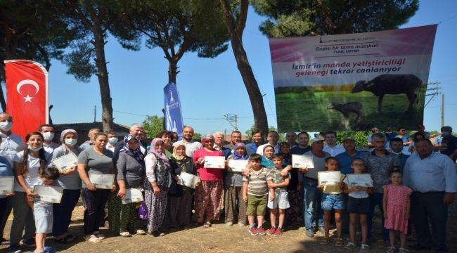 İzmir Büyükşehir Belediyesi'nden Bergamalı üreticilere manda desteği