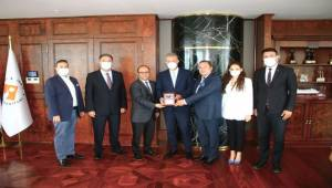 İzmir Skal Kulübü'nden 'Mahmut Özgener'e Teşekkür Ziyareti