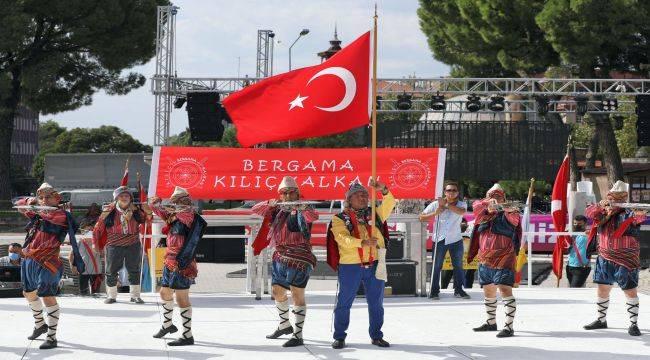 Bergama'da Festival ve Kurtuluş Coşkusu Bir Arada