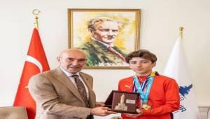 İzmir'in Gururu Miraç Saraç Birincilik Getirdi