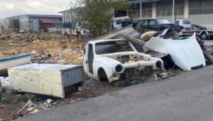 Torbalı'da Sanayi Sitesi Çöplük Oldu